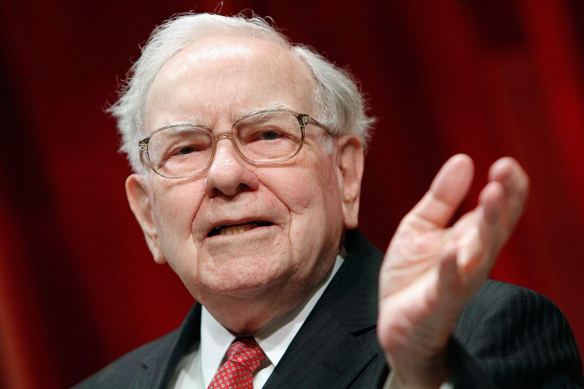 Buffett Shows Faith in Berkshire With Record Stock Buybacks