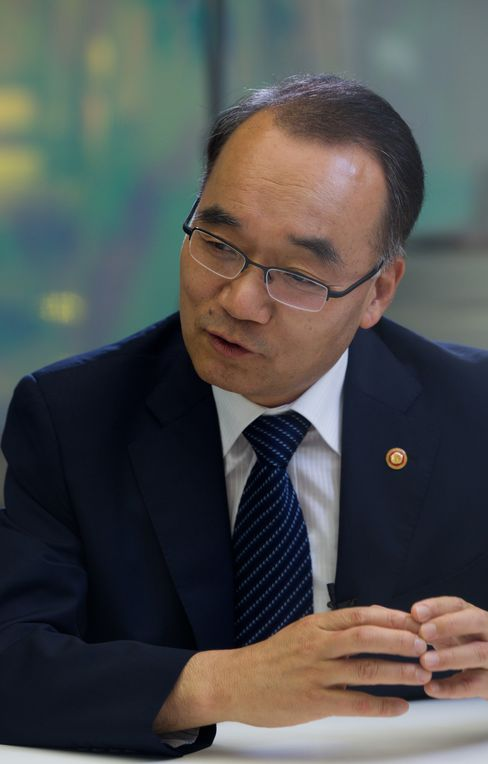 South Korea's Finance Minister Bahk Jae Wan