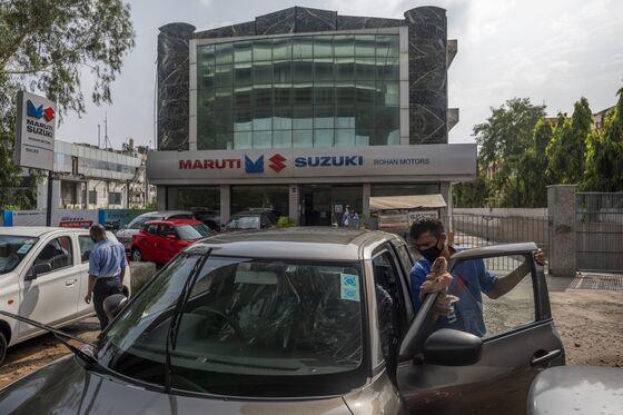 Slump in Car Sales Shows Pain Persists for Modi's Economy