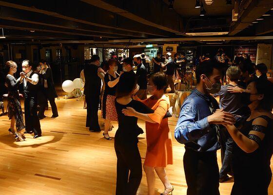 Dance Lessons at $15,000 a Pop Mark Ballroom's Covid Comeback