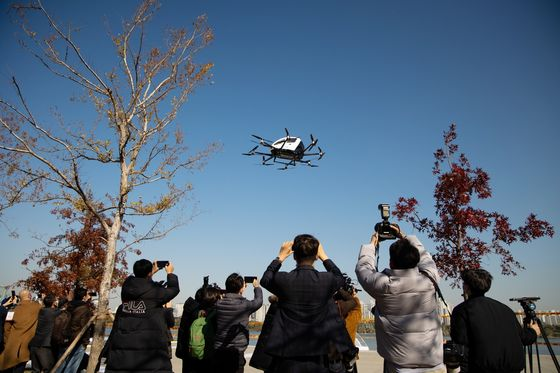 Drone Taxis and Bags of Rice Take Flight in Downtown Seoul