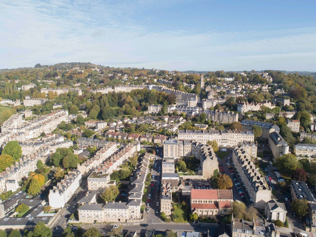 bloomberg.com - Lucy Meakin - U.K.'s Hot Housing Market Highlights Covid's Two-Speed Economy