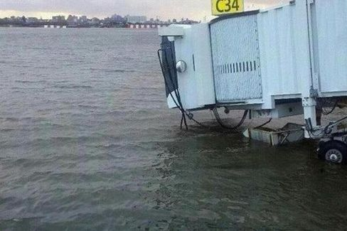 Sandy Grounds Northeast Air Travel