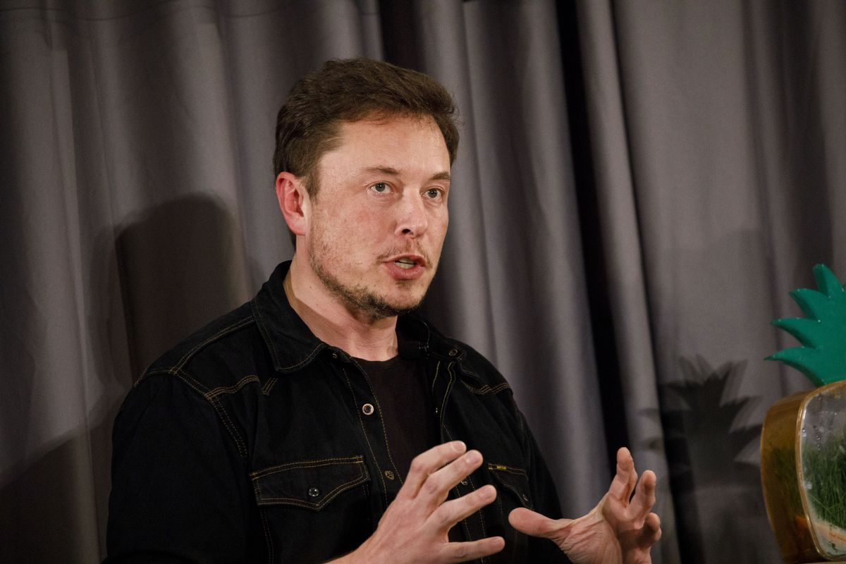 Elon Musk Pledges to Pay for Clean Water to Homes in Flint, Michigan