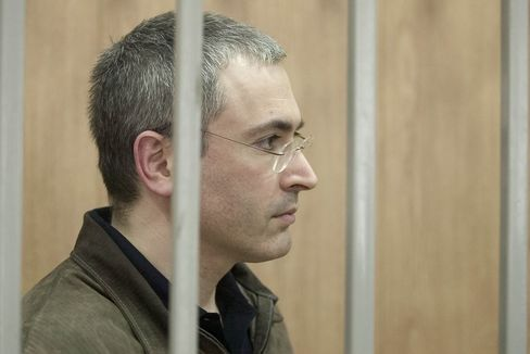 Mikhail Khodorkovsky, the only billionaire jailed by Vladimir Putin, is assembling an army of volunteers to challenge the electoral system that supports his nemesis