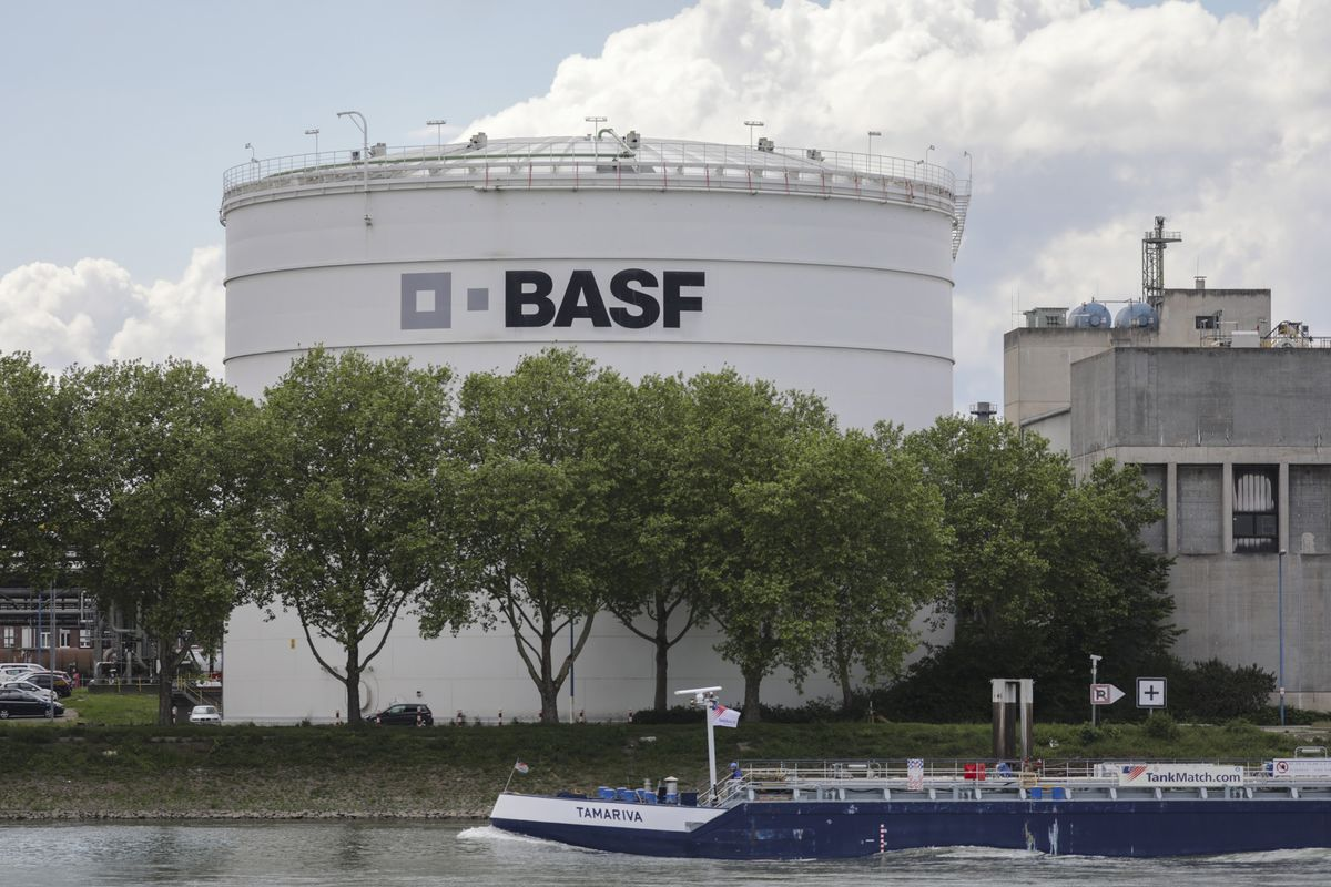 BASF Is Said to Start $3 Billion Construction Chemicals Sale