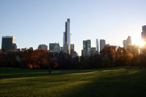 Manhattan's Most Conspicuous Luxury Tower Inspires Upstarts