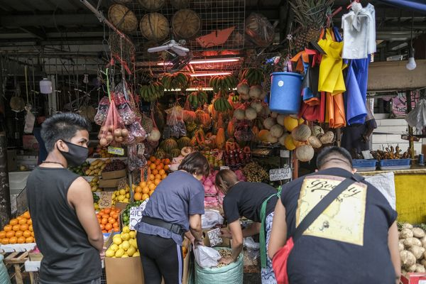 Metro Manila Enters Lockdown to Battle Virus