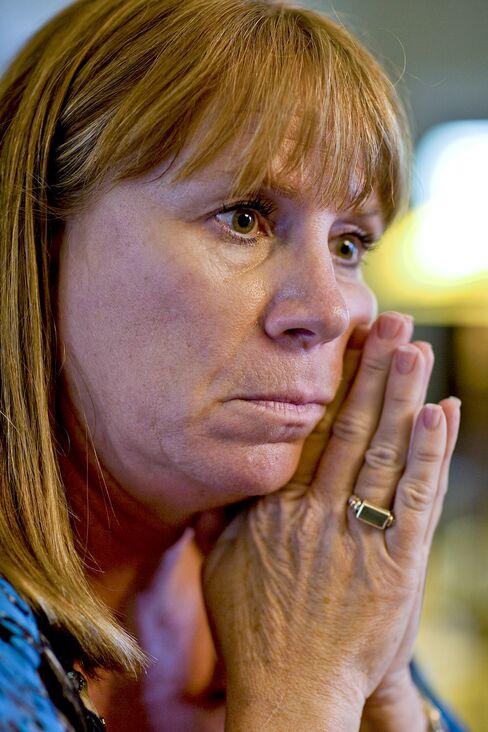 Foreclosure Crisis Spreads Across U.S.