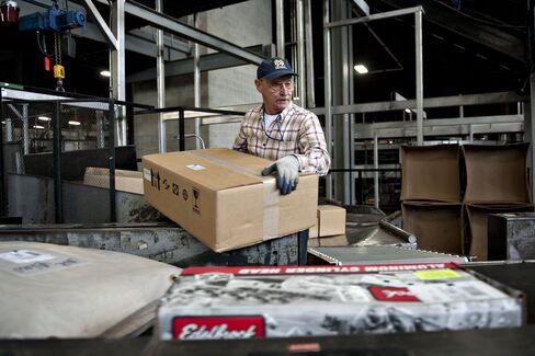 U.S. Payroll Havoc Due to Holiday Shipments