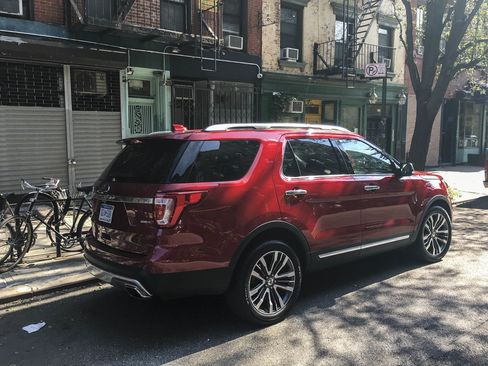 The power automatic trunk and rear-folding seats make using the Ford Explorer Platinum easy and practical for daily use.