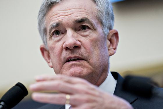 Volcker Praises Powell as Fed Chairman Faces Attacks From Trump