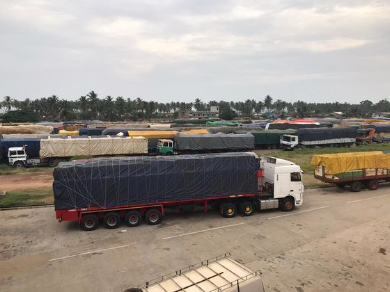 Hundreds of Trucks Parked At Borders Stall African Trade Pact