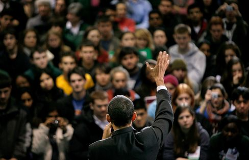 Obama Campus Fervor Losing to Apathy as Students Sour on 2012