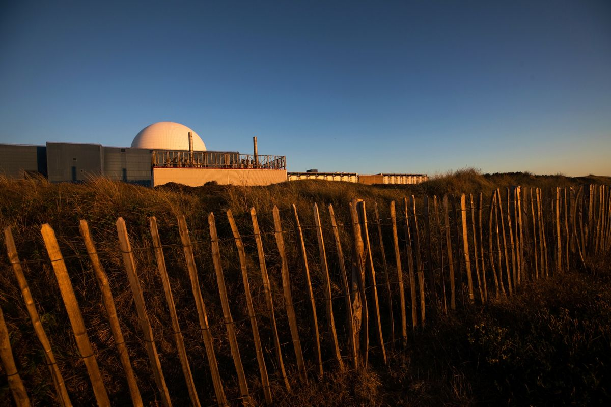 National Grid Agrees 6-Week Deal to Cut EDF's Sizewell Nuclear Power thumbnail