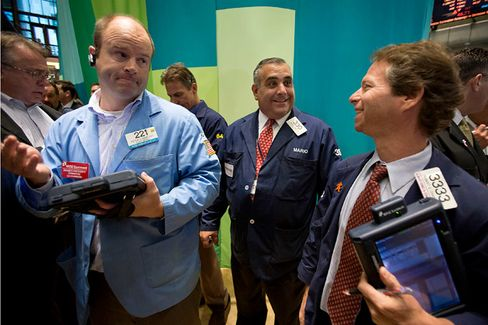 Wall Street Cheers a Tepid Jobs Report