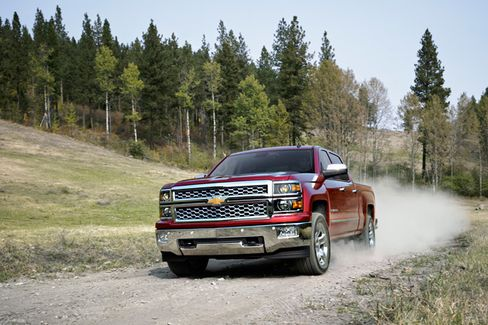 Overhauled Chevys Close the Pickup Gap With Ford