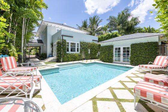 Frenzied Palm Beach Home Market Has Buyers Bidding Sight Unseen