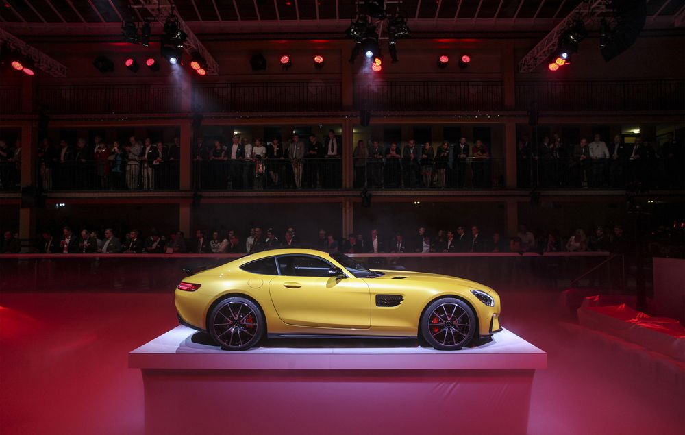 Is the New Mercedes Sports Car a Sales Dud?