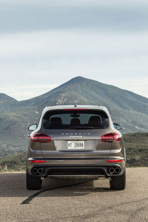 The 2016 Porsche Cayenne e-Hybrid has a $4,100 infotainment system that includes two 10.1-inch touchscreens placed on the backrests of the front seats, a DVD player, and routers that allow you to use the Internet on a dedicated browser.