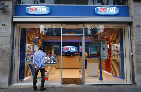 Telecom Italia, Hutchison Mobile Merger Talks Said to Stall