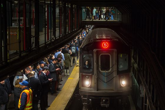 New York Tries to Bring the Subway Fare Into the 21st Century