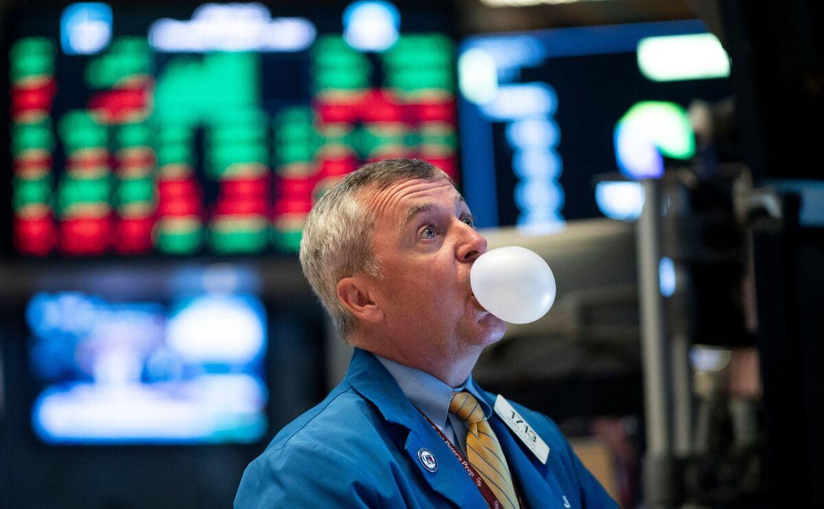 Bridgewater Co-CIO Sees 'Fair Amount' of Stock Market in Bubble