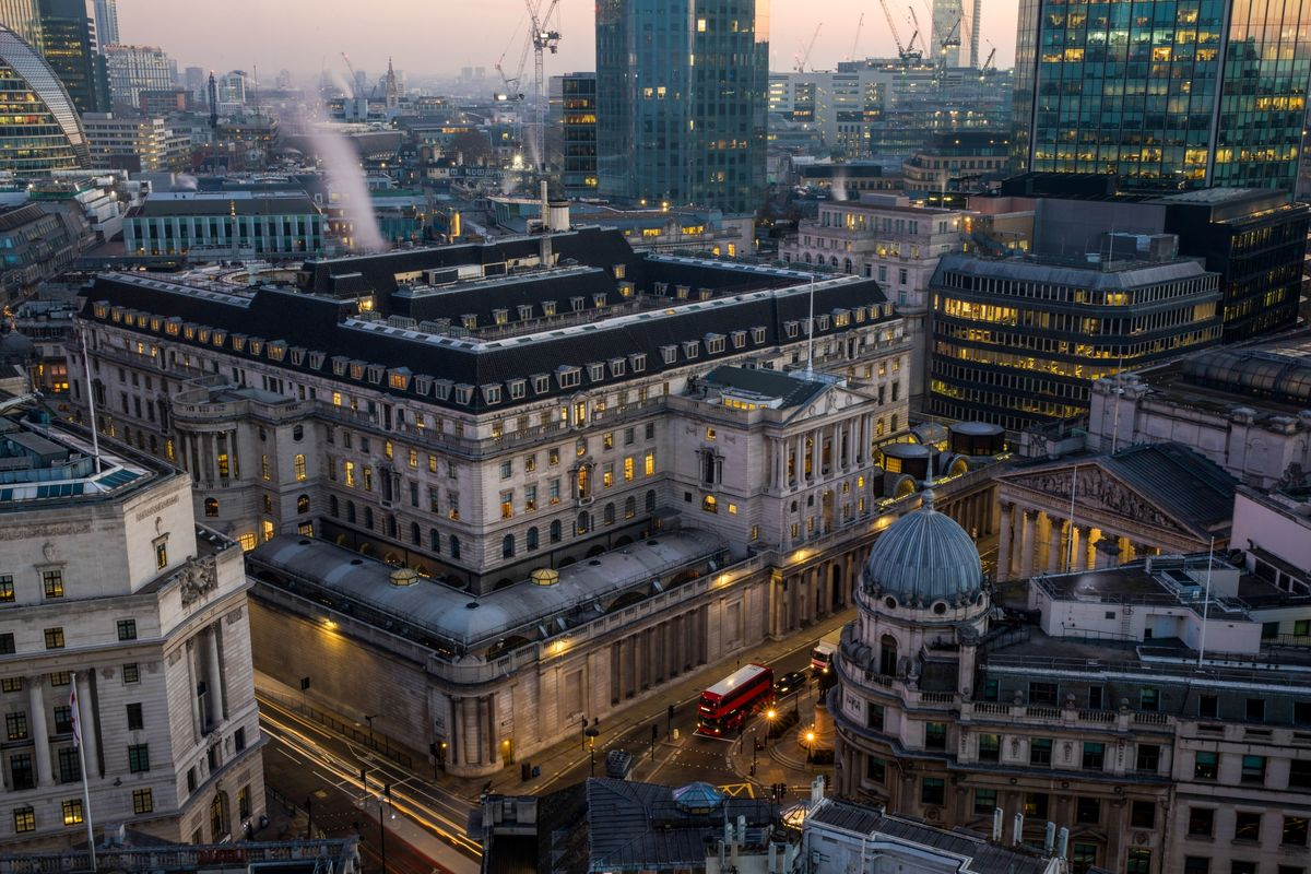 Bank of England to Keep Policy Hold Until Mid-2020, Niesr Says