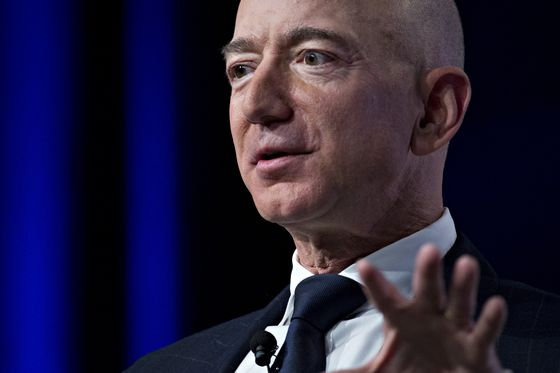 Amazon's Jeff Bezos Accuses National Enquirer Publisher of Blackmail