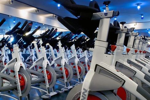 Gyms Become Oases for New Yorkers Without Power