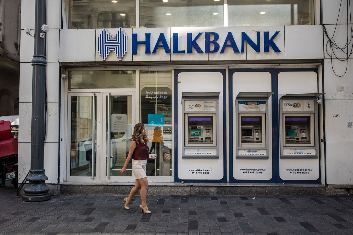 Halkbank Threatened with U.S. Contempt in Iran Sanctions Case