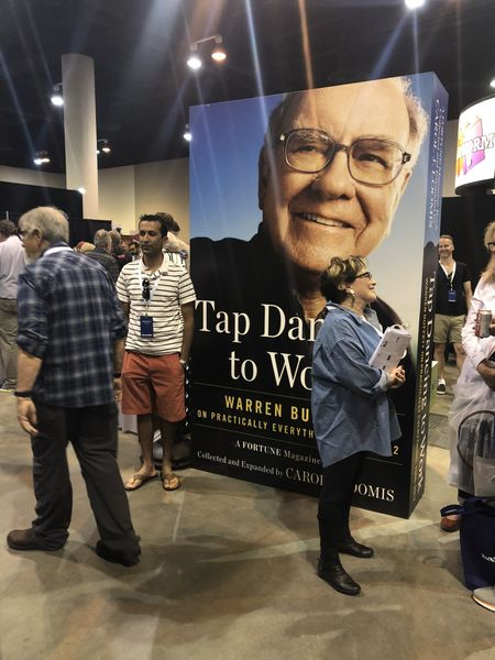 Alert 2019 Berkshire Hathaway Shareholder Meeting Visitors Guide Program We Have Won Praise From Customers Collectibles