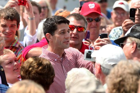 Ryan Faces Hecklers at Iowa Fair on First Solo Campaign Stop