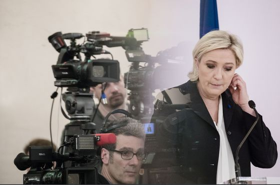France's Election Season Kicks Off With Le Pen Sparring on Islam
