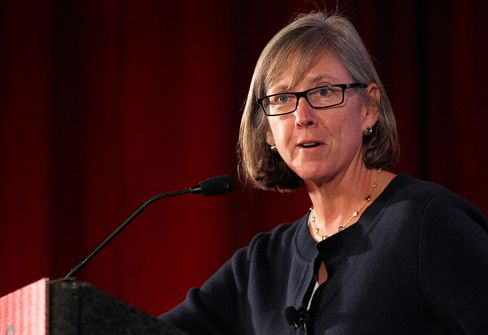 Mary Meeker brings out her PowerPoint yet again.