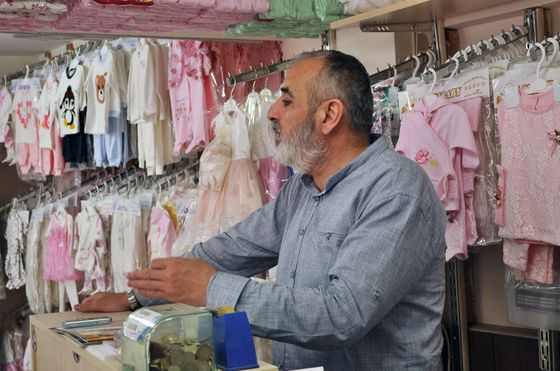 Garment District Empty of Holiday Crowds Spells Gloom in Turkey