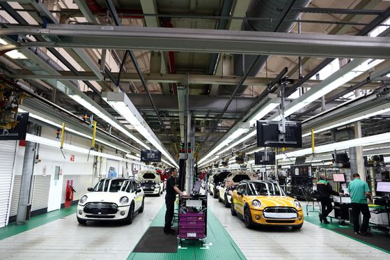 BMW Starts Building the Ultimate Form-Filling Machine for Brexit