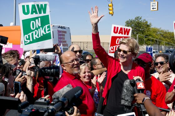 Warren Pitches 'Accountable Capitalism' to Union Voters