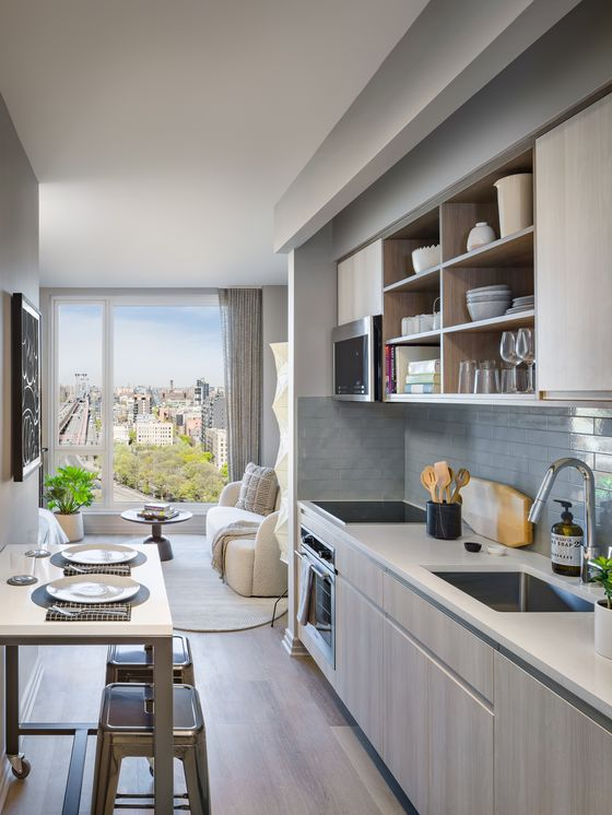NYC Rent Plunge Lets Budget-Minded Roommates Finally Live Alone