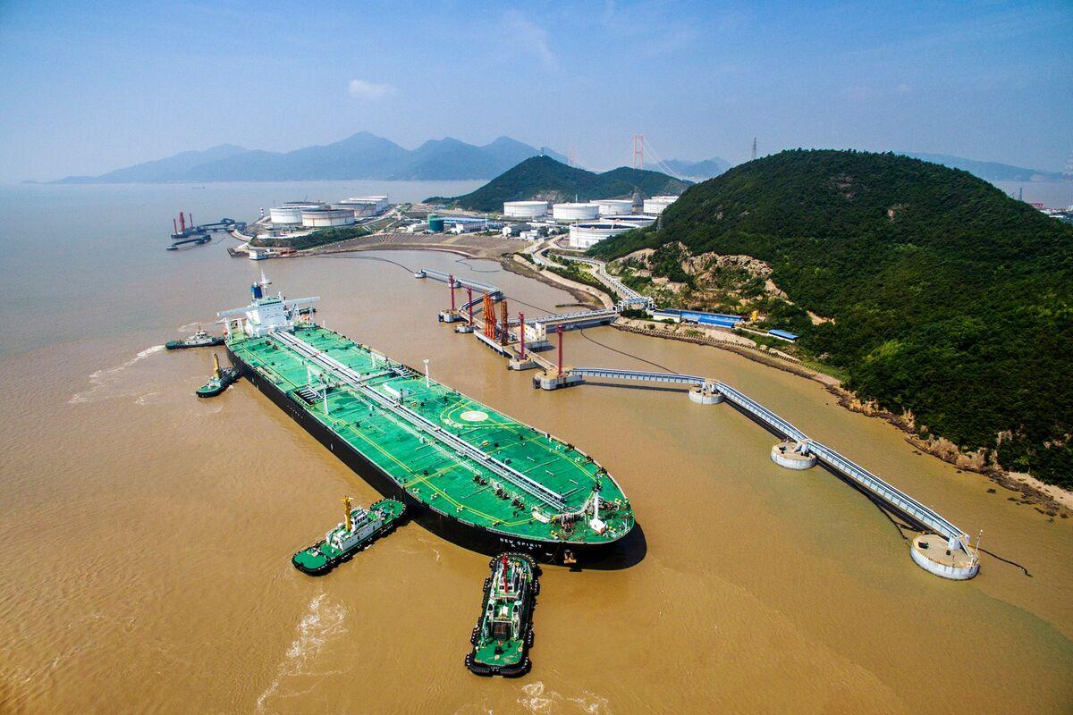 China Dominates in Oil Tanker Market as Refiners Prepare for IMO