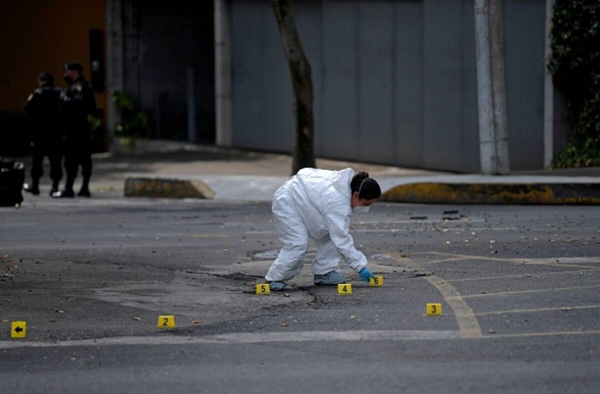 Mexico's Lawsuit Against US Gun Makers Won't Fix Its Crime Problem - Bloomberg