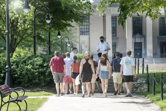 Campus Tours Turn Into Hot Tickets as Schools Start Reopening