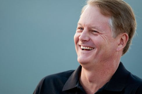 EBay's John Donahoe to B-School Grads: Work With a Sense of Purpose