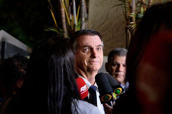 Brazil Hedge-Fund Icon Sees Bolsonaro as Favorite to Win Vote