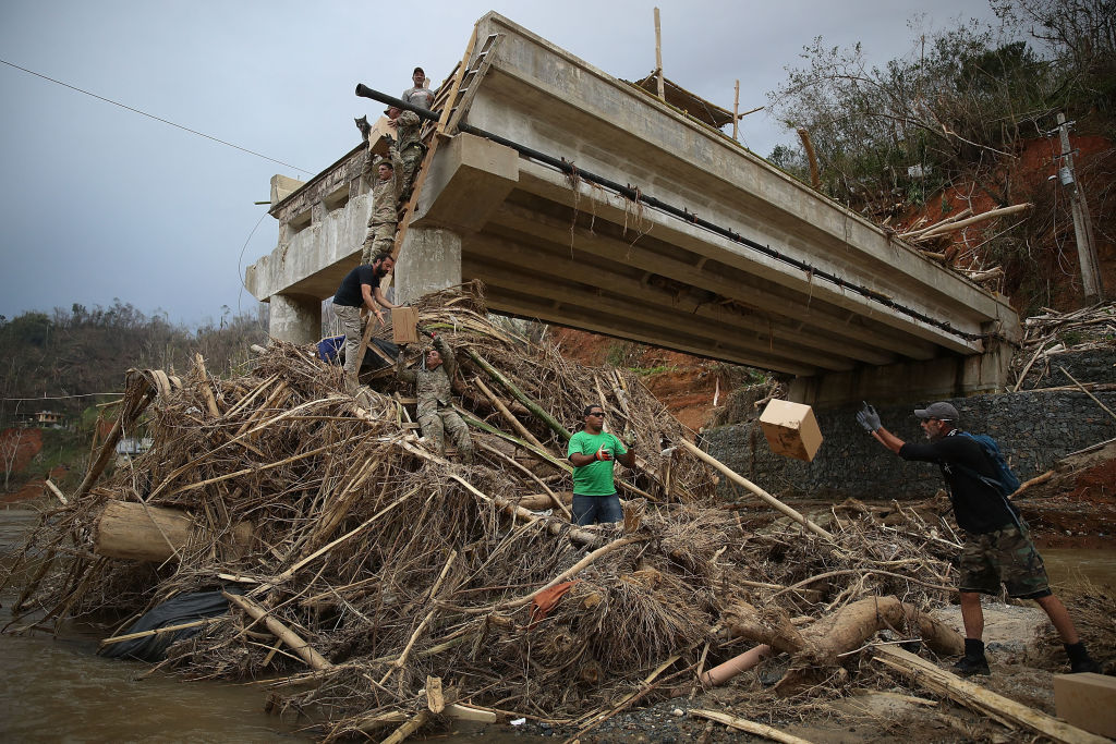 bloomberg.com - Joe Nocera - Puerto Rico Battles Shortsighted Hedge Funds