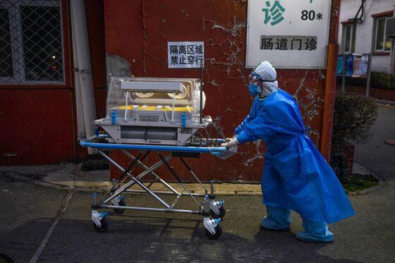 Coronavirus Patients' Long Ventilator Stays Put Strain on Hospitals