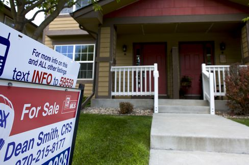 Purchases of Existing U.S. Homes Probably Slumped in July