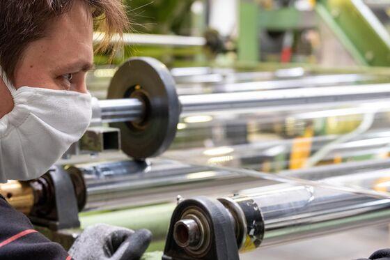 Covid Creates a Boom for Röhm's Protective Plexiglas Panels