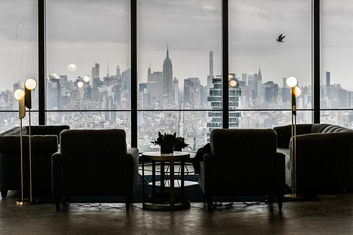 bloomberg.com - Natalie Wong - Office Space for Rent in Manhattan Hits Highest Level Since 2003