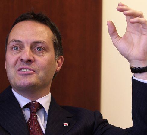 T-Mobile USA Names John Legere Chief as Customer Losses Mount